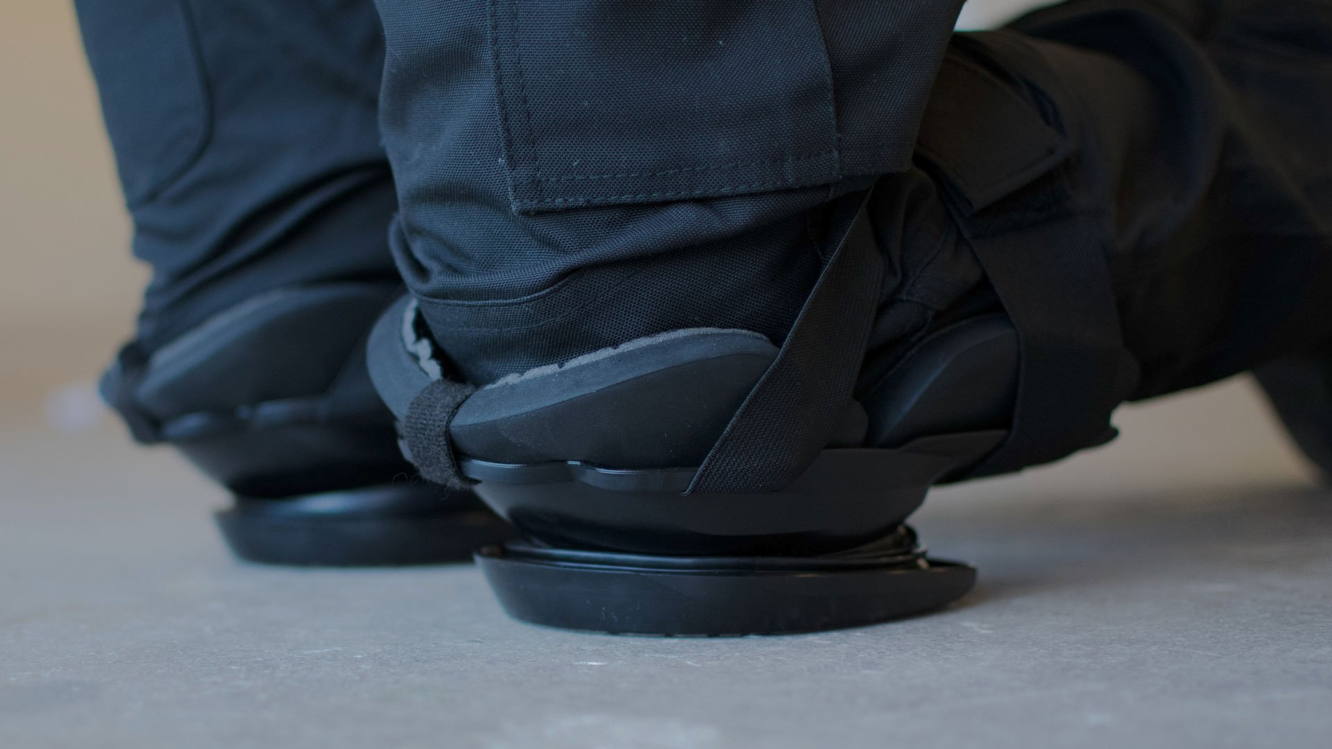 VH Innovation - Recoil Kneepads example